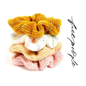 FREE PEOPLE SWEATER SCRUNCHIE SET (4)